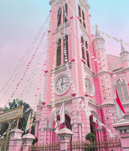 Symbolism of pink in architecture